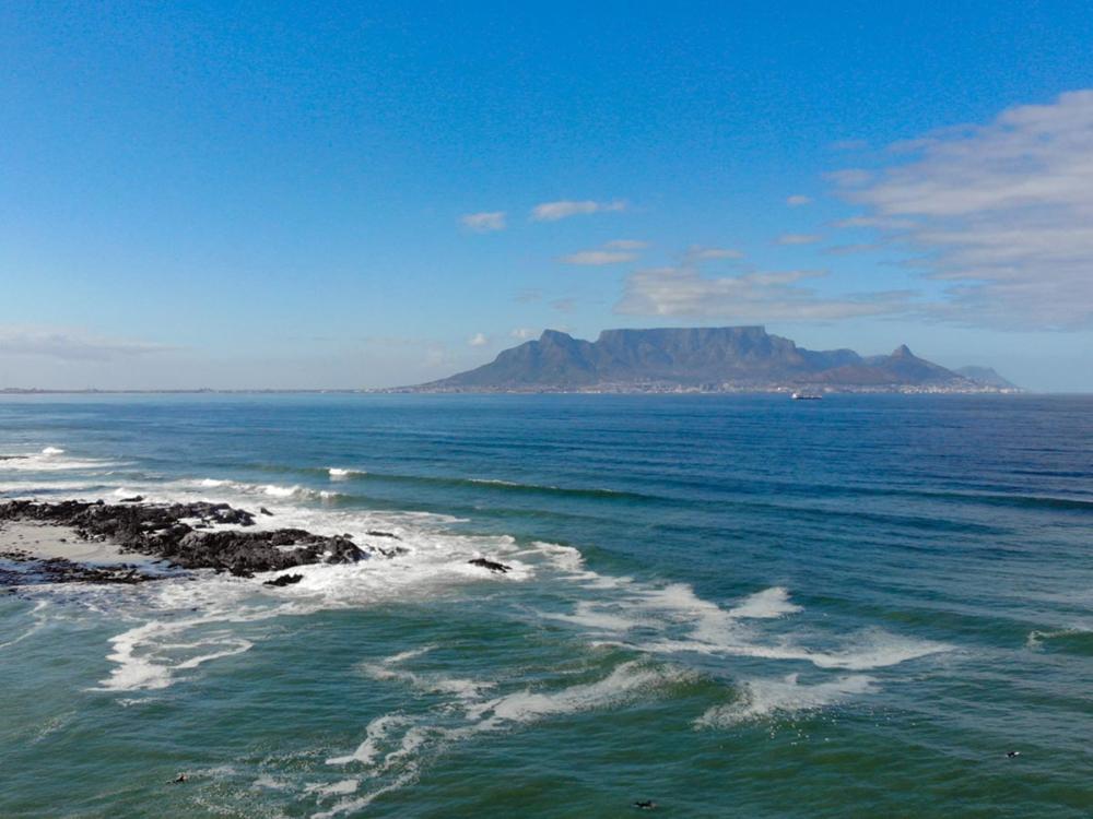 Blick von Big Bay zum Tafelberg