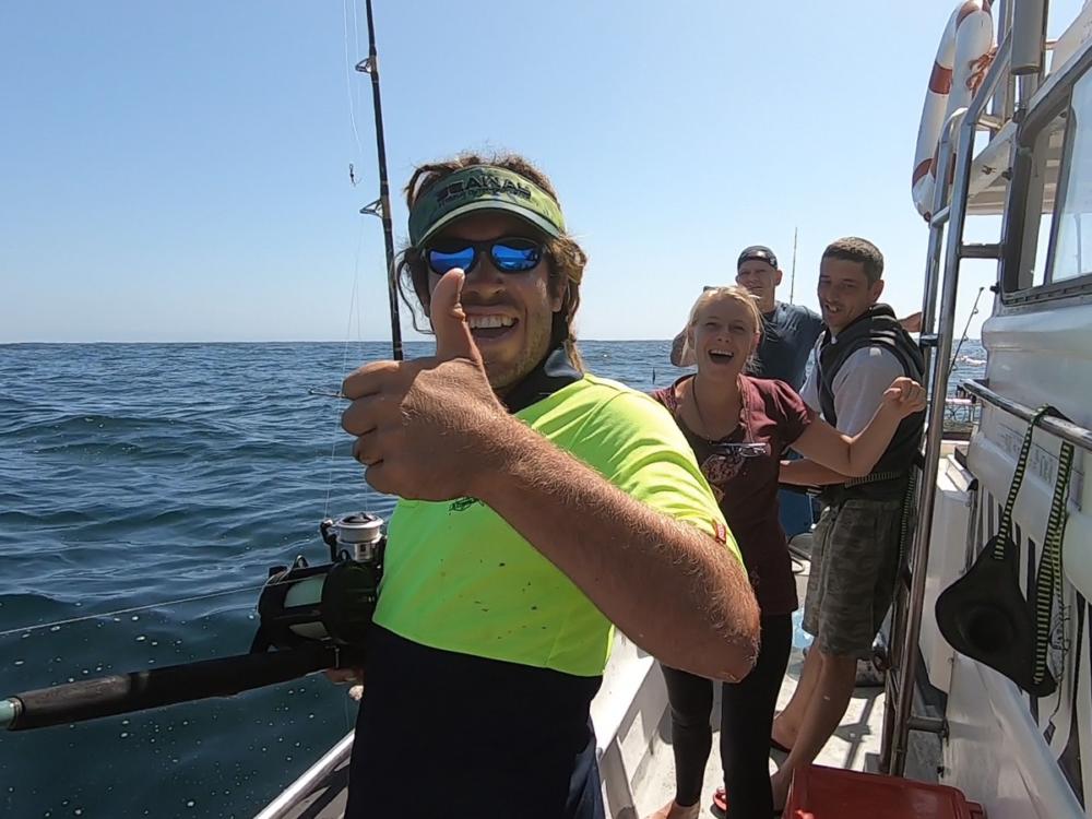 Angler sind immer glücklich wenn sie einen Fisch gefangen haben